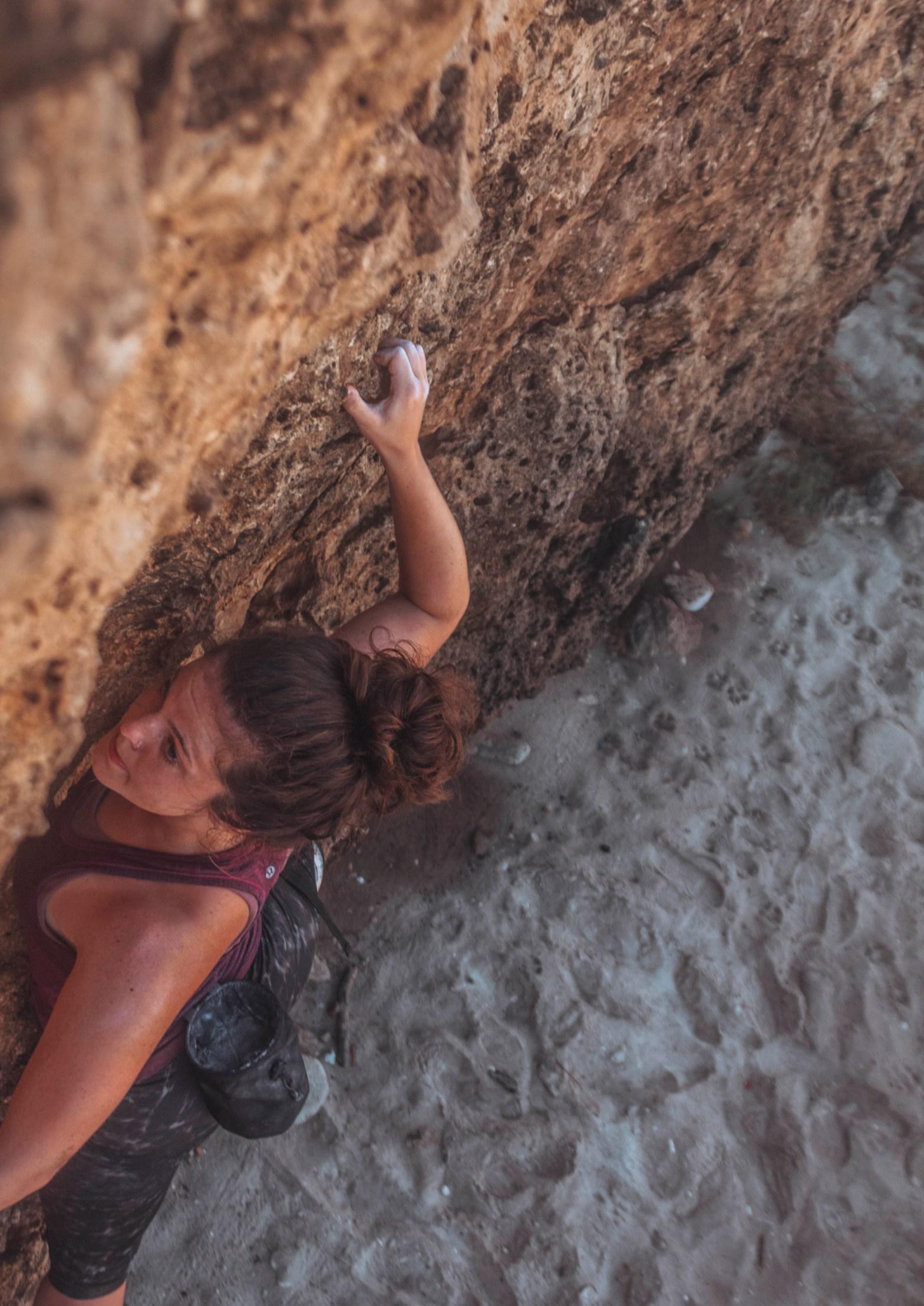 Rock climbing in Aruba