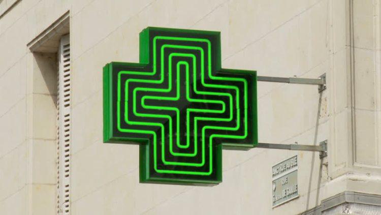 Italy travel information- Pharmacy Sign
