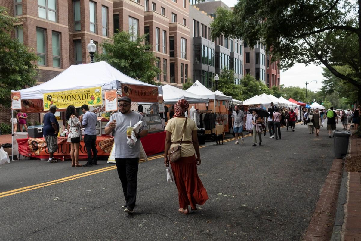 Street lemonade stand at the Eastern Market
