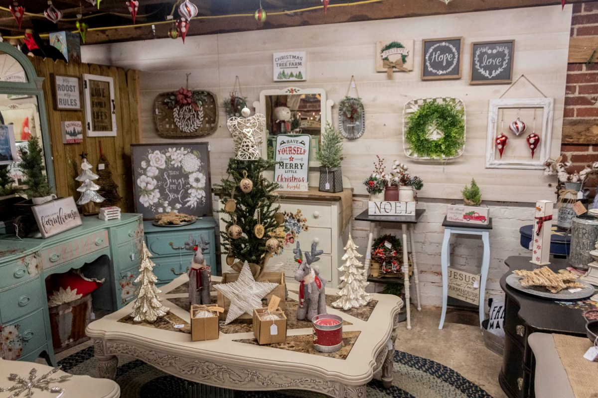 Just Plain Country Store- Christmas in Walnut Cove