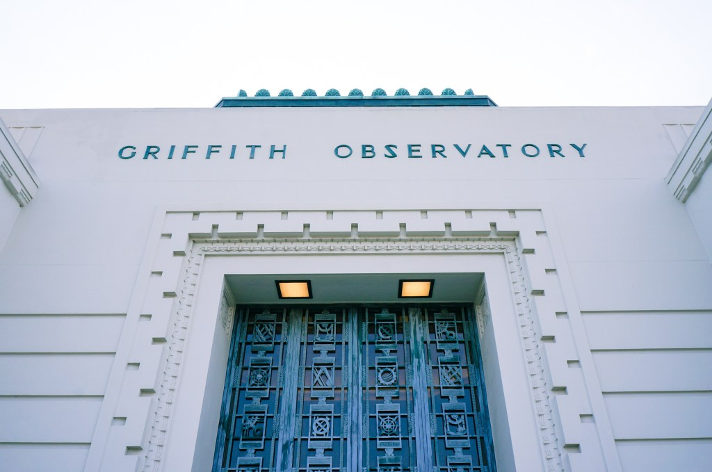 griffith_observatory_in_december