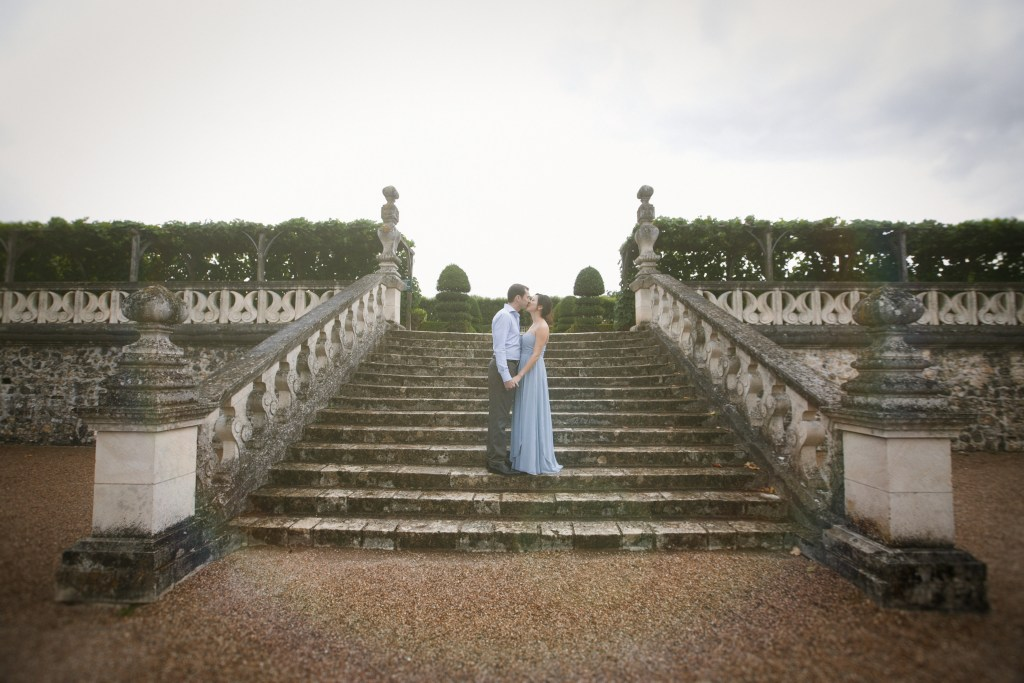 Chateau-Engagement-Photos-Loire-Valley