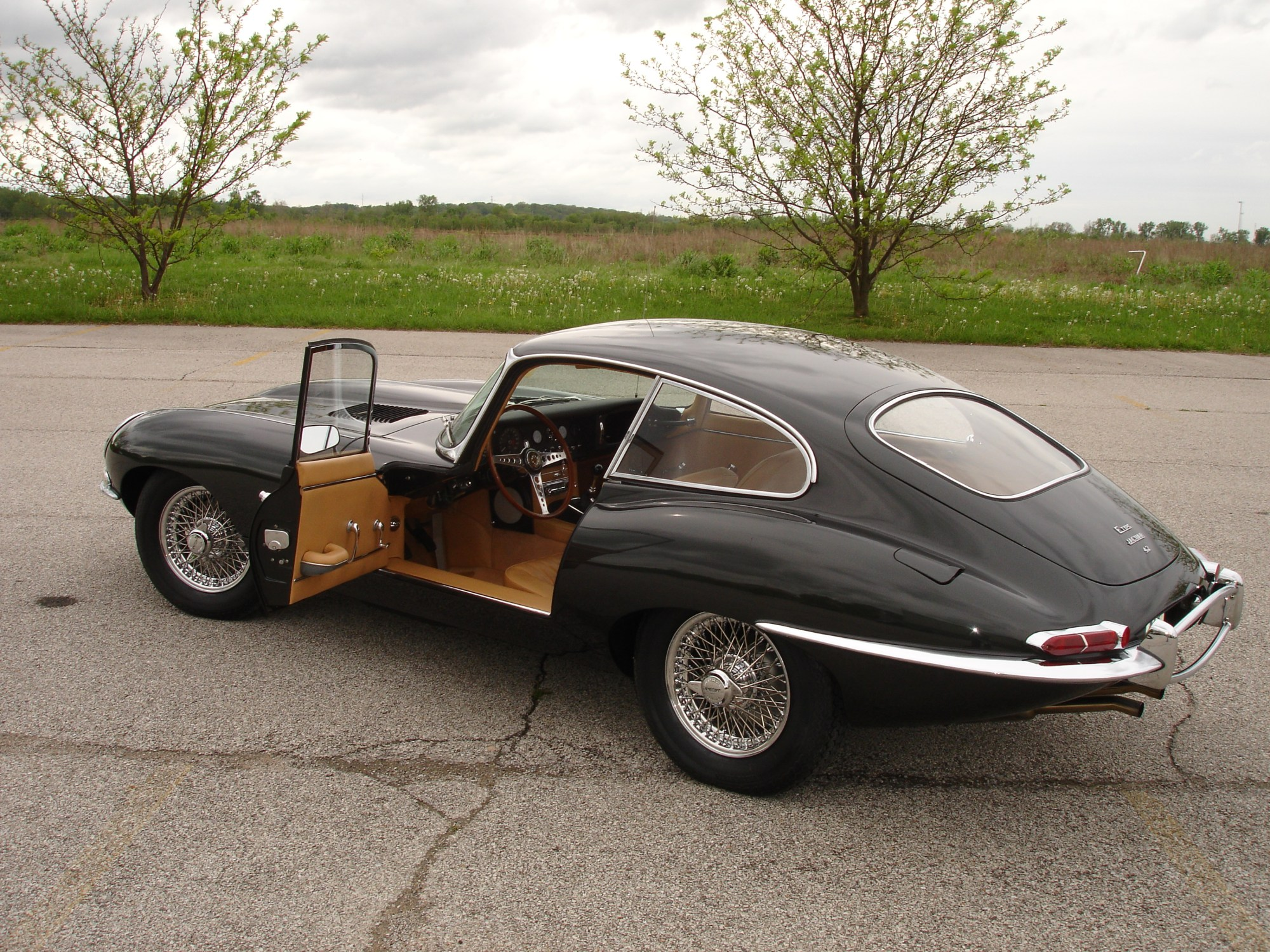 hight resolution of xke coupe