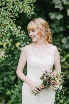 pressing robe de mariée fourreau dentelle morphologie