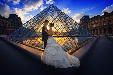 nettoyage robe mariage couple nuit louvre shooting