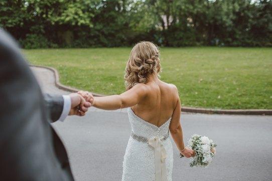 nettoyage robe de mariée couple