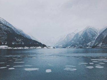 glaciers norvège pressing robe mariage hivernal