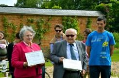 Agnès et Bertrand d'Esneval et Adrien, jardinier du parc