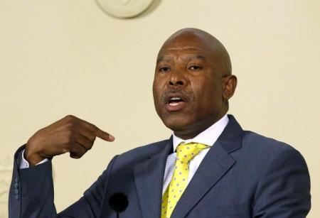 Newly appointed SA Reserve Bank governor (SARB) Lesetja Kganyago gestures during a media briefing in Pretoria, October 6, 2014.   REUTERS/Siphiwe Sibeko