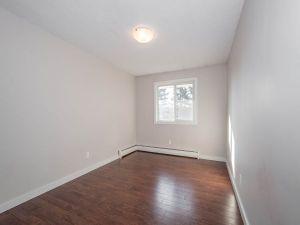 elmwood apartments bedroom