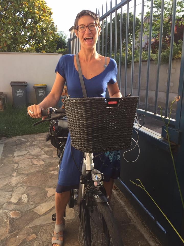 vélo bicylette petite reine électrique 2 roues covoiturage