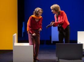 Francine Bergé (Liliane Bettencourt) et Élizabeth Macocco (Claire Thibout) © Michel Cavalca