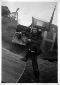Spitfire pilots in cockpit Doug Orr