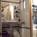 La salle de bain de la couche à Baballe et Bâton