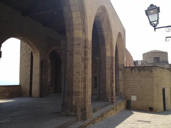 Santa Lucia, Castel dell'Ovo