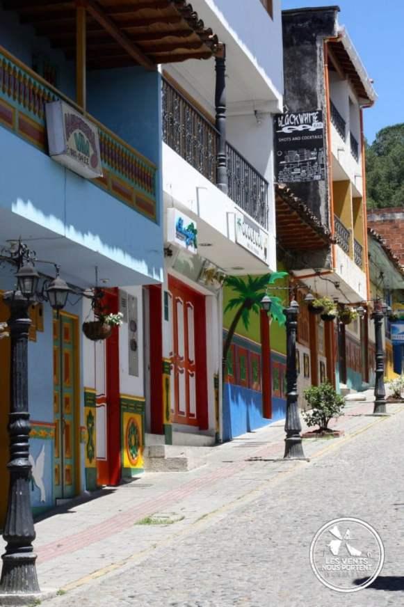 Maisons de couleurs Guatape Colombie