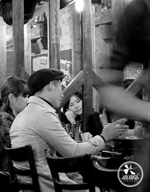 Coréens au restaurant à Seoul Coree-du-sud