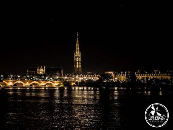 La Garonne, le pont de pierre et St Michel Photos de Bordeaux Tourisme Gironde