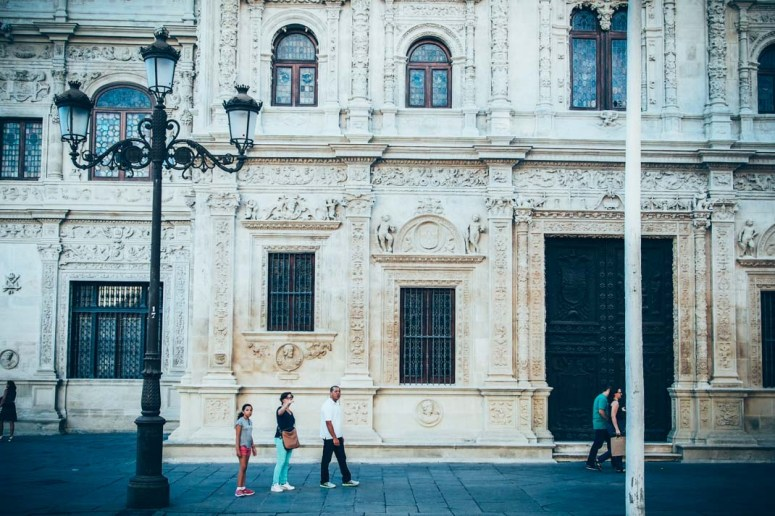 façade de la mairie de seville, voyage en espagne