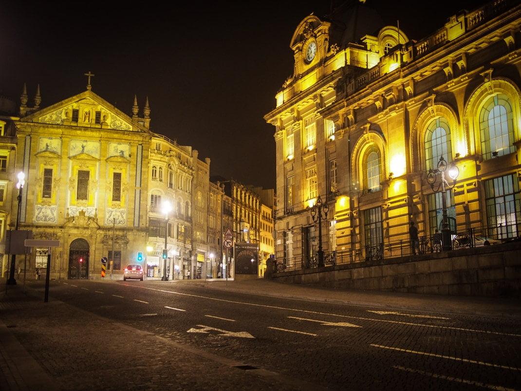 gare de porto la nuit voyage portugal