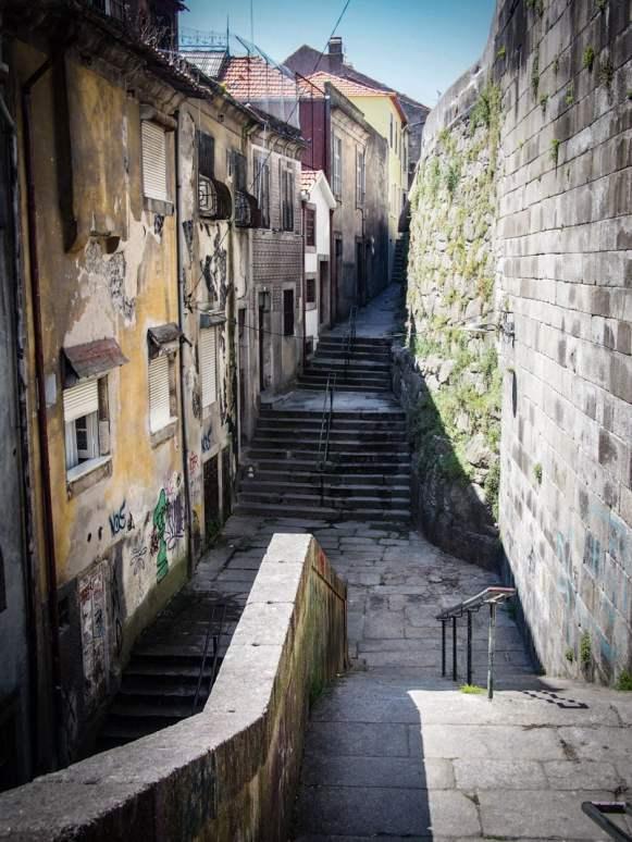 une vieille rue a porto voyage portugal