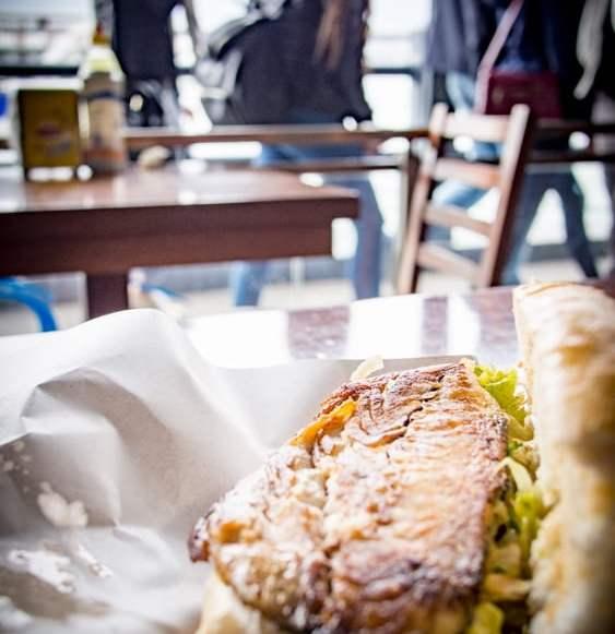 balik ekmek sandwich poissons istanbul voyage turquie