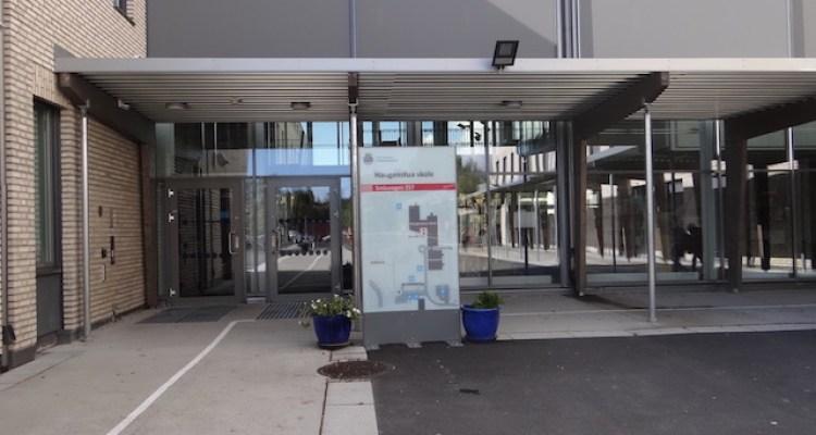 Entrée principale de l'Ecole Hagenstua à OSLO
