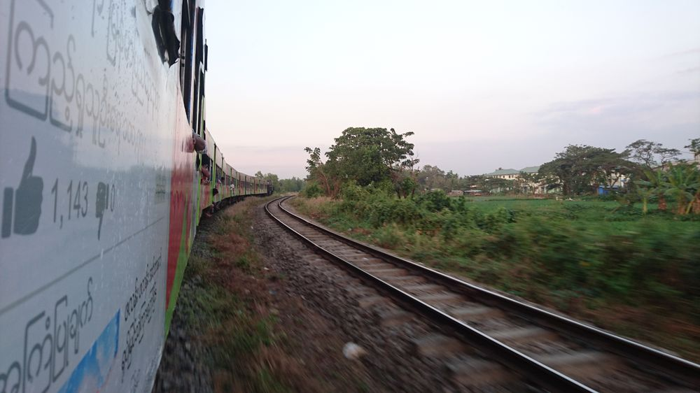 Vue train - Yangon