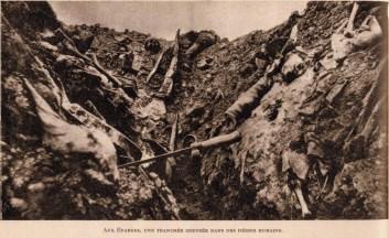 Tranchée creusé dans les cadavres, aux Eparges