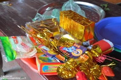 offrandes dans le temple Thuo