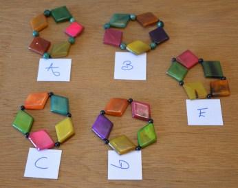 Bracelets colorés, photo 2,7€
