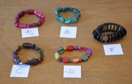 Bracelets colorés, photo 1,7€