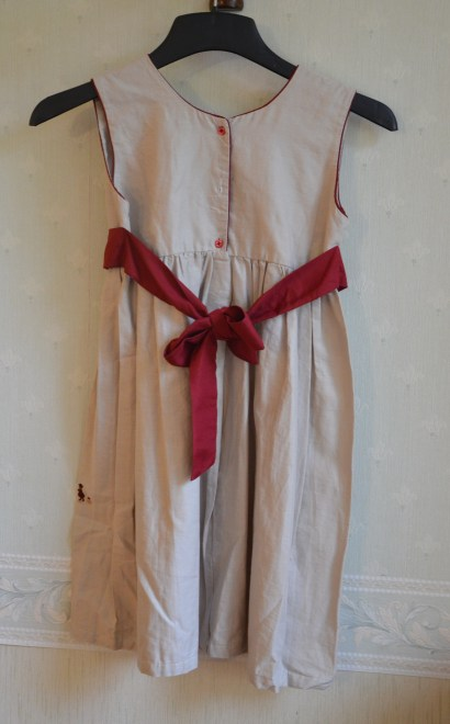 robe-brodee-8-ans-madagascar (10)
