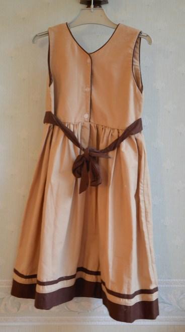 robe-brodee-8-ans-madagascar (12)