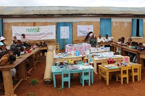 Dotation à l'école d'Andozoka