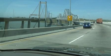 Retour sur Folsom sur le Oakland Bay Bridge de San Francisco - Californie