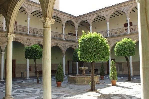 Le patio du palais de Jabalquinto