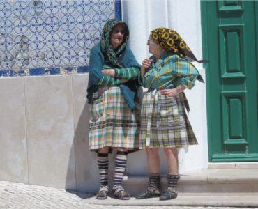 Mamies portugaises en costume local