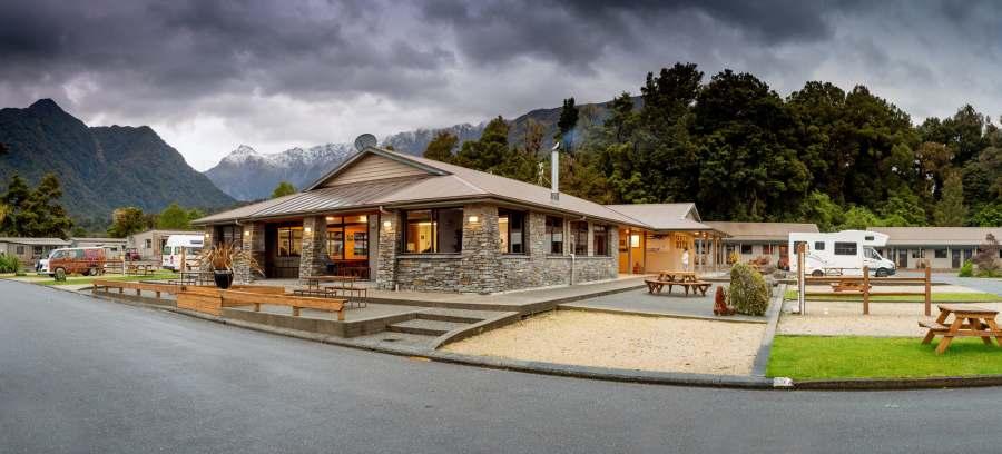 Fox Glacier Top 10 Holiday Park - NZ