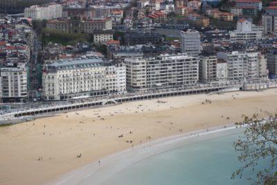 St Sébastien - La plage de la Concha vue du mont Urgull