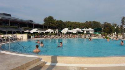 La piscine du camping Amarin