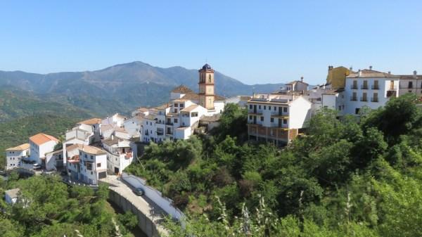 Le village blanc de Benarraba