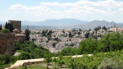 Vue sur les collines autour de l'Alhambra