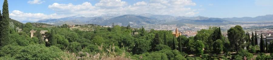 Vue sur Grenade et alentours depuis l'Alhambra