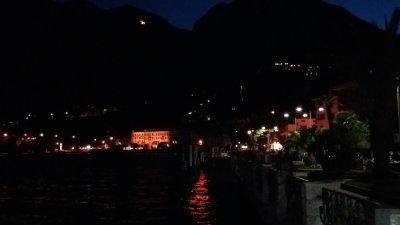 Menaggio et le lac de Côme de nuit