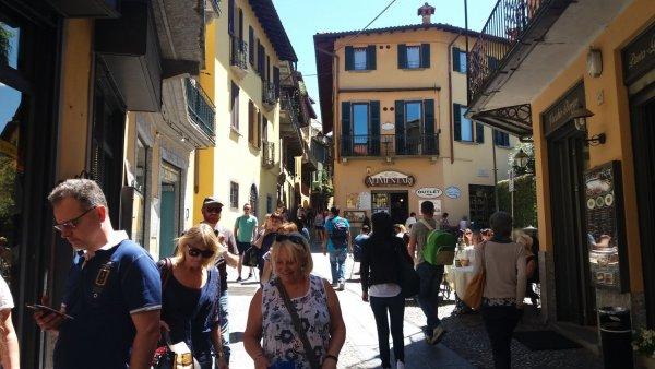 Dans les rues piétonnes de Bellagio