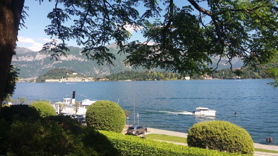 Vue sur le lac de Côme depuis la villa Carlotta