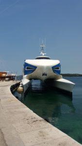 Etrange bâteau sur le port de Rovinj