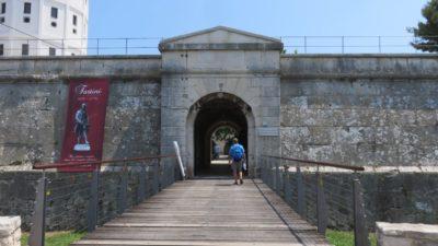 L'entrée du château de Pula