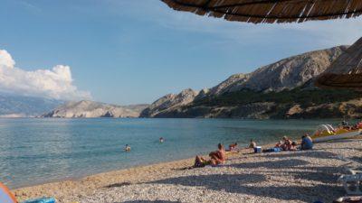 La plage de Baska (île de Krk)
